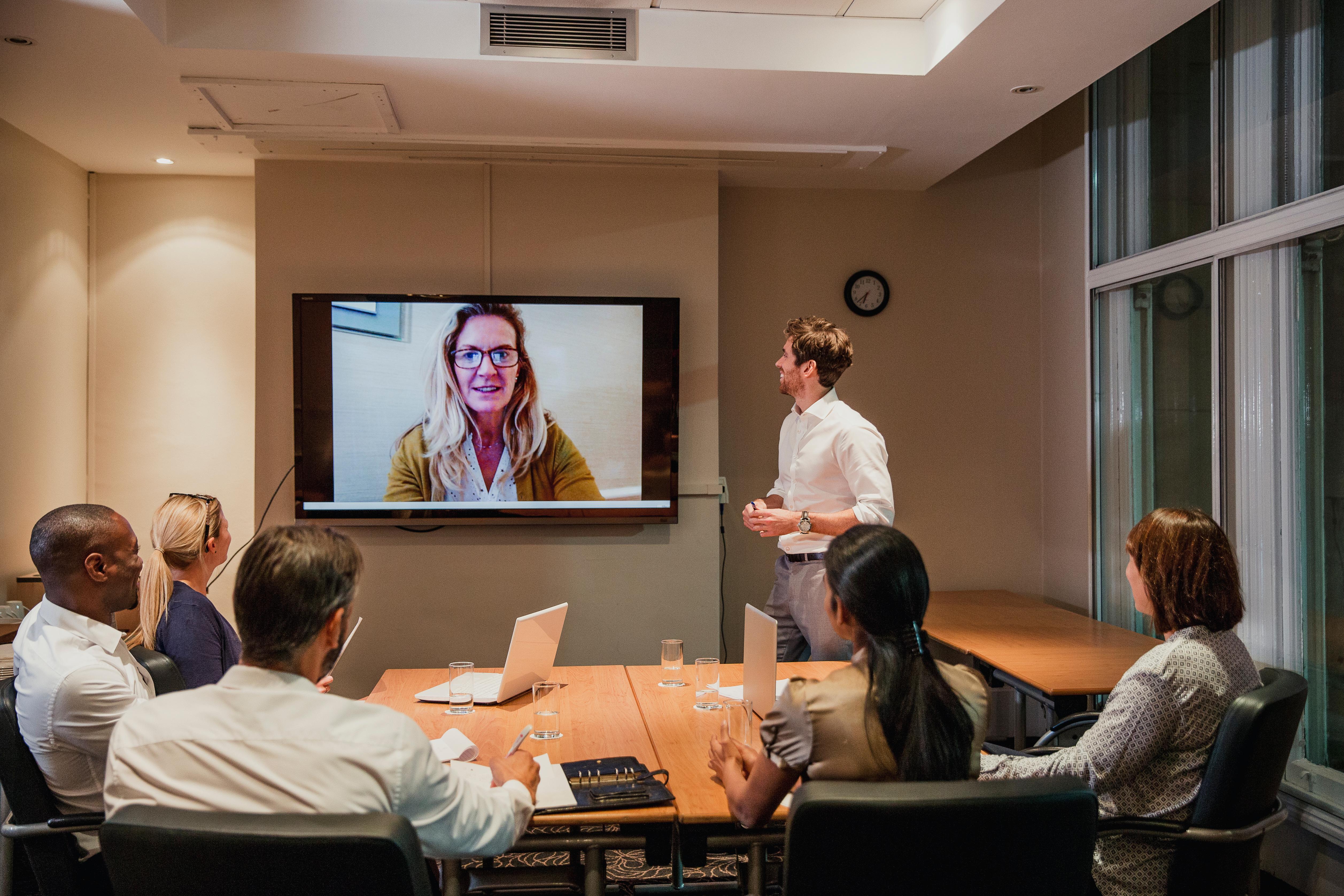 Üzleti tárgyalástechnika online és offline